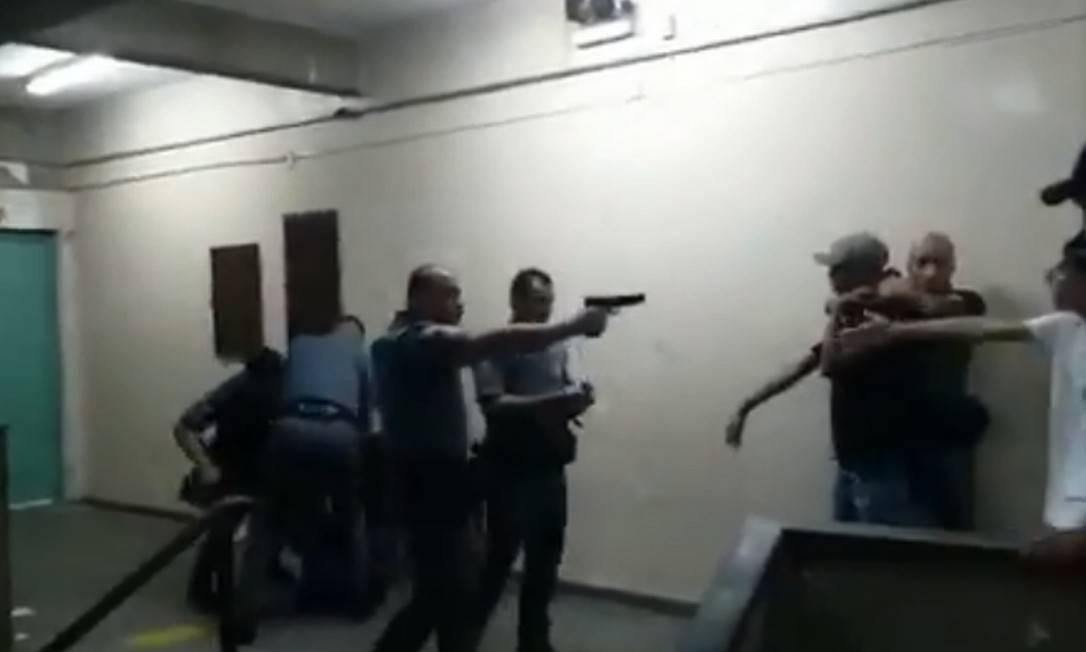 Câmara Aprova Moção Contra a Violência Policial em Escola